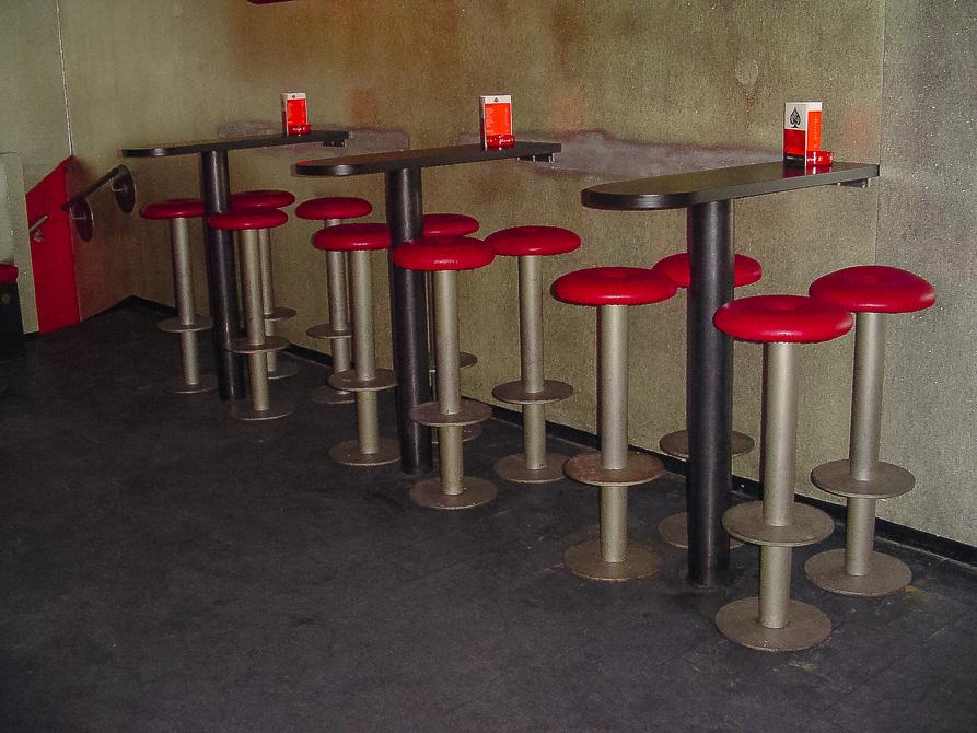 Bar Einrichtung Gruner2