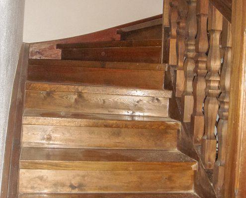 treppenaufgang aufwendig überarbeitet